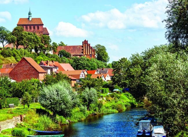 Der Havelberger Dom, St. Marien wurde 1170 auf den Namen der Jungfrau Maria geweiht. |Foto: Horst Schröder/pixelio.de