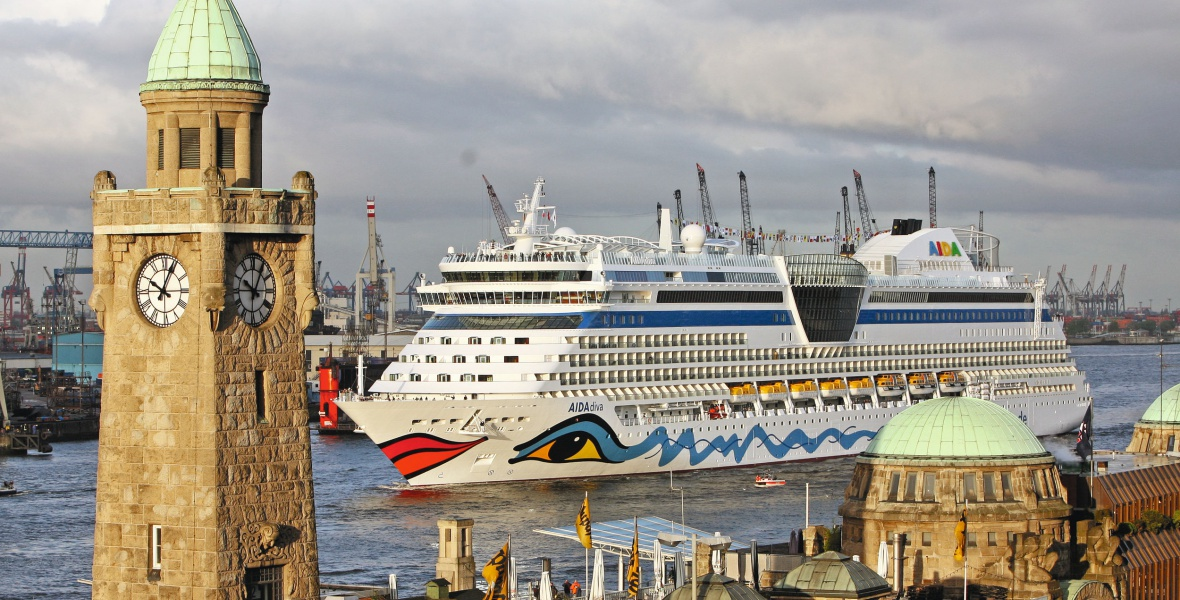 Reisen mit den Hochseeschiffen führen zu den schönsten Orten auf der ganzen Welt. Bild: TUI